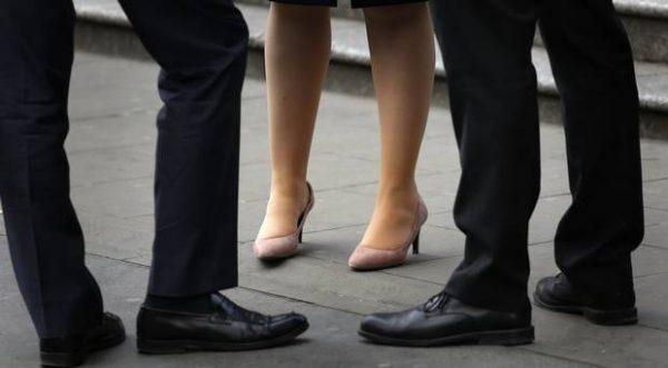 چرا زنان کمی در سطوح مدیریتی شرکتها و جوامع حضور دارند؟
